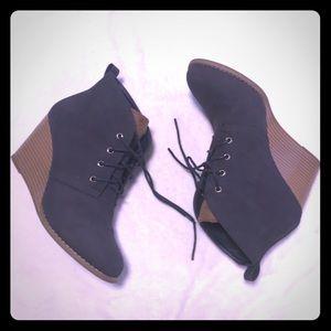 Navy Nautical heeled boots